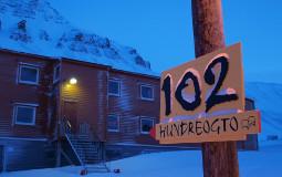 Gjestehuset 102 tilbyr rimelig overnatting i Longyearbyen