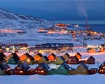 Experience Longyearbyen in the blue hour