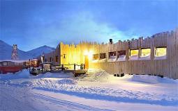 Mary-Anns Polarrigg, tilbyr rimelig overnatting på Svalbard