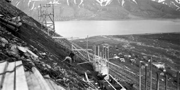 Gruve 1, Amerikanergruva åpnet i 1906 av john Munro Longyear