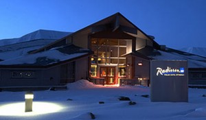 Radisson Blu Polar Hotel tilbyr overnatting for din reise til Svlabard og Longyearbyen.