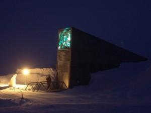 Svalbard Globale Frøhvelv, kunstverk lyser opp i mørketiden