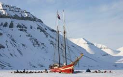 Basecamp Båten i isen