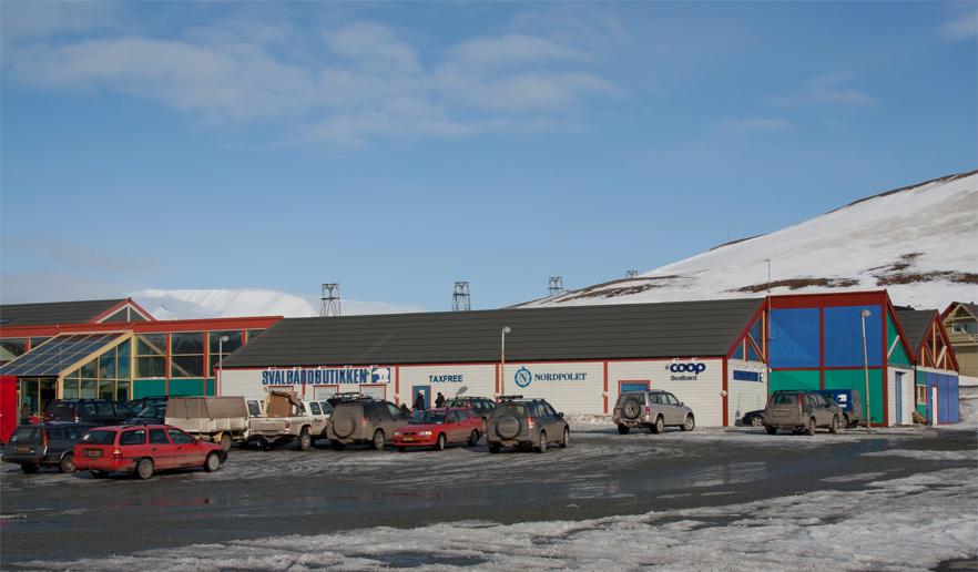 Coop-Svalbard, Svalbardbutikken er et varehus på 78grader nord i Longyearbyen