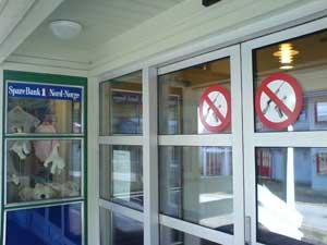 Sparebank 1 Nord Norge. Ikke tillatt med våpen i banken