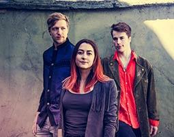 Trioen MK'S Marvellous Medicine spiller på Svalbard i oktober