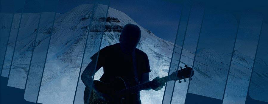 Bluesfestivalen Dark Season Blues Spitsbergen arrangeres på tiden av året når blues er på sitt beste, i inngangen til mørketiden, i blåtimen på Svalbard.