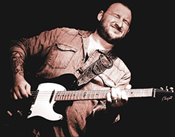 Det blir gjensyn med den prisbelønte gitaristen Josh Smith under årets bluesfestival
