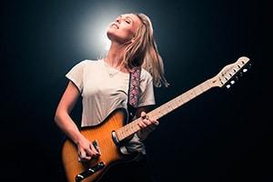 Tora Dahle Aagard kommer til 78 grader nord for å spille under årets bluesfestival