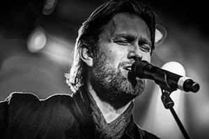 Danske Mike Andersen kommer med bandet sitt til svalbar i oktber